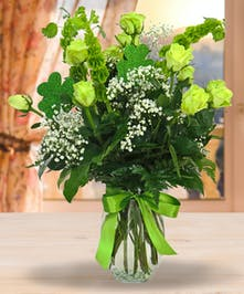 A gorgeous green twist on the traditional bouquet of roses!